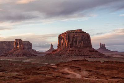 Exquisite southwest landscapes in Monument Valley in Utah