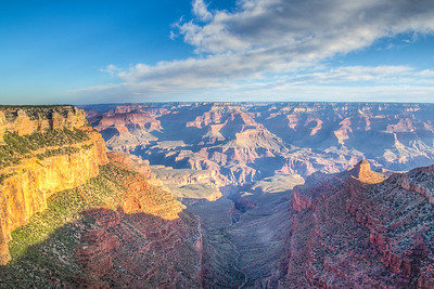 Along the rim trail at the South Rim of the Grand Canyon