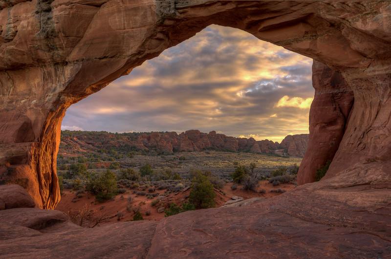 Sunset on Broken Arch