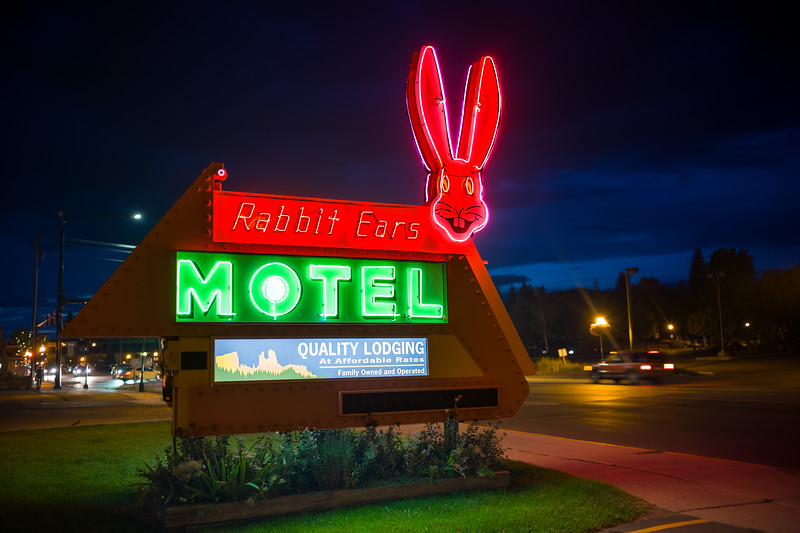 Rabbit Ears Motel north