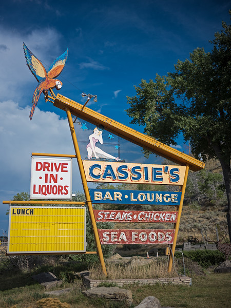 Cassie's Bar Lounge steaks chicken seafoods drive in liquors lunch