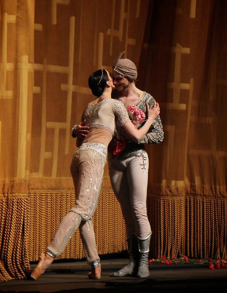 Viktoria Tereshkina and Vladimir Shklyarov, La Bayadère, May 29, 2014