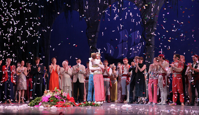 Ethan Stiefel Final Performance, July 7, 2012<br /> <br /> Ethan and fiancé Gillian Murphy embrace in the middle of a confetti blizzard.