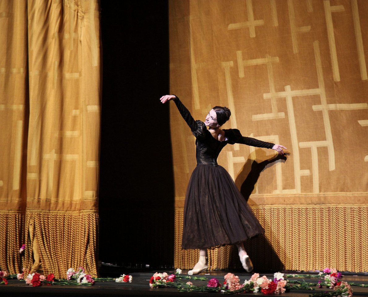 Irina Dvorovenko, May 18, 2013, Irina's Final ABT Performance<br /> <br /> Irina's final exit from the ABT stage