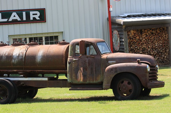 Old Chevrolet 4400