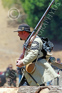 HR-ACWBS 00005 A Reb with a musket rushes forward, historical re-enactor picture by Peter J Mancus