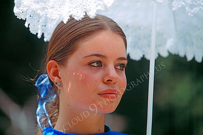 HR-ACWC 00016 American Civil War civilian -- a pretty girl stands under her parasol, by Peter J Mancus