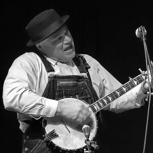 Keith Williams, Uncle Shuffelo & His Haint Hollow Hootenanny, April 2016.