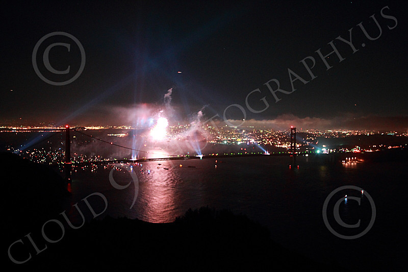 ENGF-GGB 00311 Search lights and fireworks celebrate a landmark Golden Gate Bridge anniversary picture by Peter J Mancus