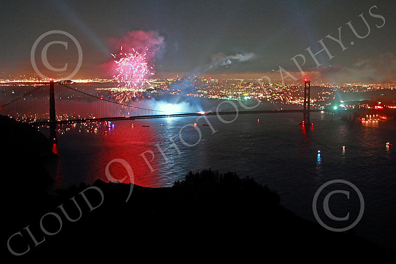 ENGF-GGB 00337 Colorful fireworks burst above the Golden Gate Bridge to celebrate a landmark anniversary picture by Peter J Mancus
