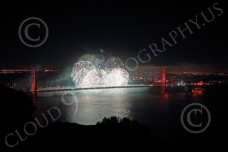 ENGF-GGB 00330 Eloquent white fireworks burst over the Golden Gate Bridge to celebrate a landmark anniversary picture by Peter J Mancus