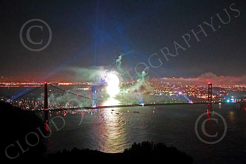 ENGF-GGB 00307 Search lights and fireworks celebrate a landmark Golden Gate Bridge anniversary picture by Peter J Mancus