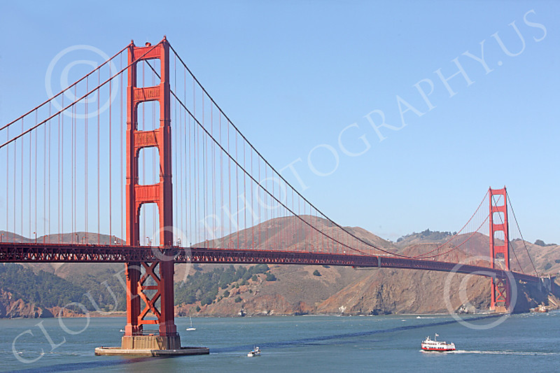 ENGF-GGB 00008 The Golden Gate Bridge in sun light without clouds, by Peter J Mancus