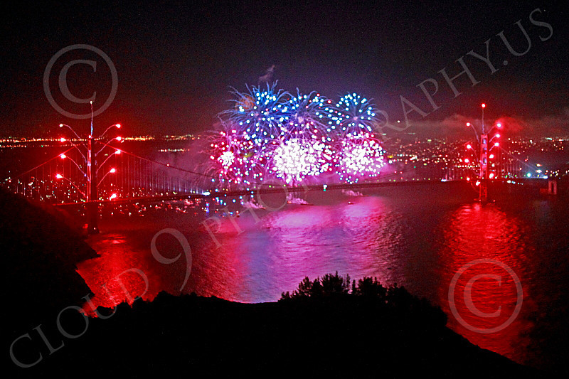 ENGF-GGB 00309 Unusual colorful fireworks celebrate a landmark Golden Gate Bridge anniversary picture by Peter J Mancus