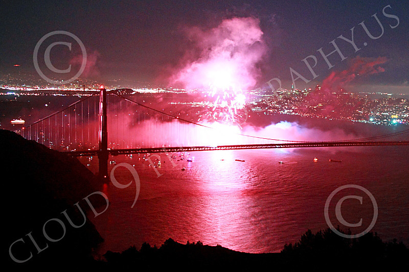 ENGF-GGB 00334 Colorful fireworks burst above the Golden Gate Bridge to celebrate a landmark anniversary picture by Peter J Mancus