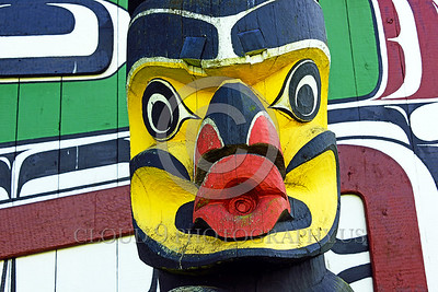 TotPol 00026 A well carved colorful human face with big lips totem pole detail, totem pole picture by Peter J Mancus
