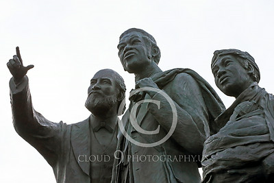 STY-BFREE 00020 Ault Blacks, ex-slaves, in a statue celebrating Black freedom, statue picture by Peter J Mancus