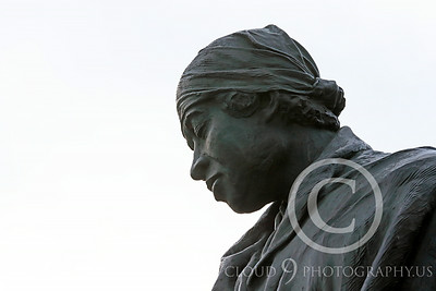 STY-BFREE 00018 Face of an adult Black female, an ex-slave, in a statue celebrating Black freedom, statue picture by Peter J Mancus