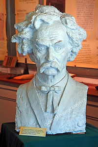 AMER-STYVIP 00001 An excellent bust of Mark Twain at the Angel's Camp Museum, California by Peter J Mancus