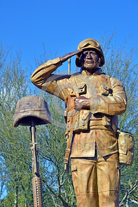 STY-USDeSt 00015 This statue in honor of killed in combat US Desert Storm veterans is loaded with extreme respect for Americans who died in combat, statue picture by Peter J  Mancus