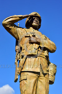 STY-USDeSt 00005 This statue in honor of US Desert Storm combat veterans is extremely well done, statue picture by Peter J  Mancus