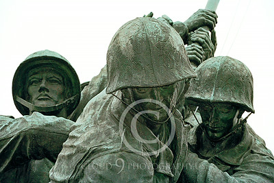 STY-USMCM 00004 Faces of courage in the US Marine Corps Memorial in Washington DC, statue picture by Peter J Mancus
