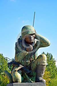 STY-Code Talkers 00007 A statue honoring World War II USMC Navajo Indian code talkers who stumped the Japanese and contributed significantly to the American victory, statue picture by Peter J  Mancus