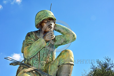 STY-Code Talkers 00010 A statue honoring World War II USMC Navajo Indian code talkers who stumped the Japanese and contributed significantly to the American victory, statue picture by Peter J  Mancus