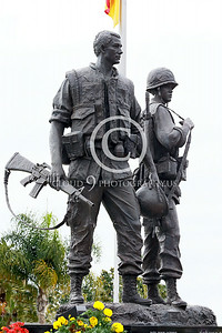 STY-VIETNWM 00009 A well done statuary tribute to American and South Vietnamese Vietnam War combat veterans statuary picture by Peter J Mancus