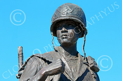 STY-VIETNWM 00020 A helmeted South Vietnam Army soldier in a Vietnam War Memorial statue picture by Peter J Mancus