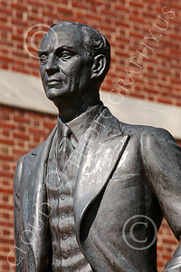 Sty-HFord 00012 A statue portrait of the inventor of the factory assembly line, Henry Ford, statue picture by Peter J Mancus