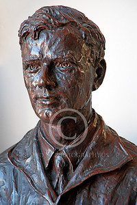 VIPS-Charles A Lindbergh 00007 A dark bust of Charles A Lindbergh, by Peter J Mancus