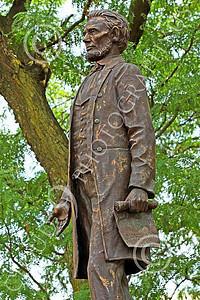 STY - ALINCOLN 00003 Abe Lincoln stands tall, holding the world famous Proclamation liberating slaves, in his left hand, by Peter J Mancus