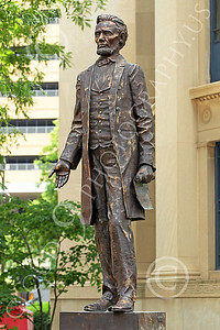STY - ALINCOLN 00009 An excellent, classic, Abraham Lincoln statue, by Peter J Mancus