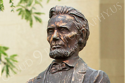STY - ALINCOLN 00014 An excellent, classic, Abraham Lincoln statue, by Peter J Mancus