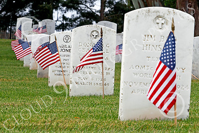 AMER-MilCem 00026 One row of tombstones out of acres of same, from horizon to horizon, at a US military cemetery on Memorial Day, by Peter J Mancus