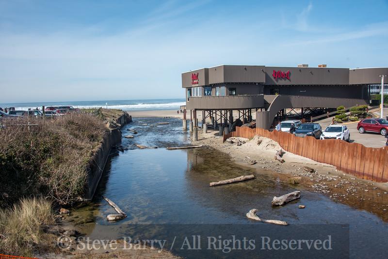 Oregon<br /> Lincoln City<br /> D River<br /> Shortest river in the world