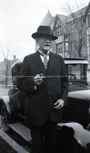 R015-portrait-nlg-circa_1923-bw-1040