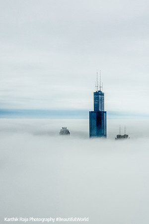 Sears, Willis, Tower, Chicago in the clouds