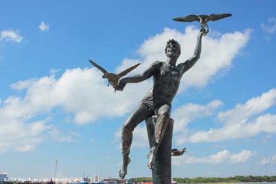 Statue, Pier 21, Galveston, TX