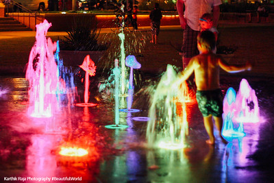 Kids in the fountain in The Woodlands