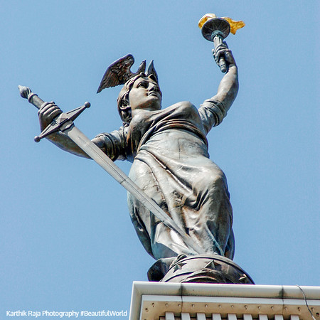 """38-foot high statue representing """"Victory atop the monument, Soldiers' and Sailors' Monument, Indianapolis"""