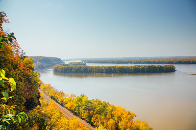 View of the Mississippi River, MIssissippi Palisades State Park, Illinois