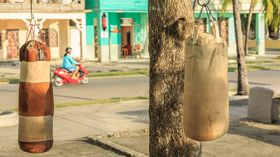 new blood for boxing, Malecón in Cienfuegos