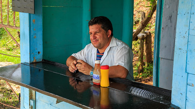 snack bar on the road, Topes de Collantes