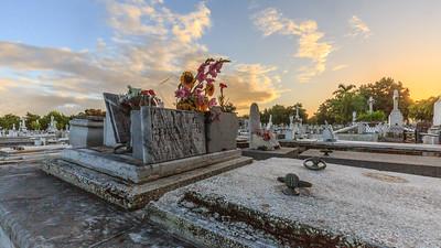 Cementerio Cristóbal Colón (Colon Cemetery; Necrópolis de Cristóbal Colón), tombs
