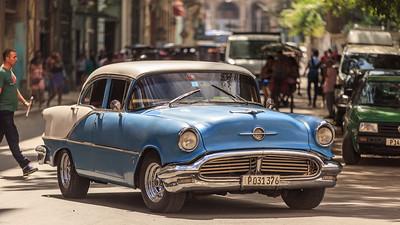 Oldsmobile 1956 Eighty Eight on the Malécon