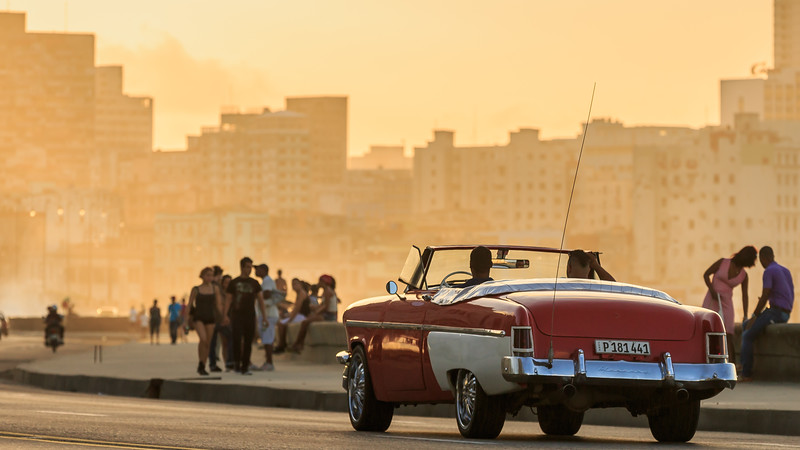 Malecón evening, sundown, car, cabriolet