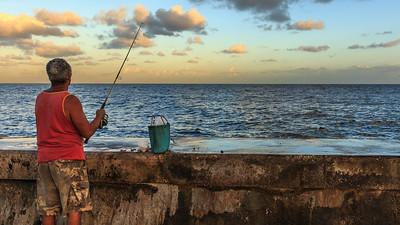 Malecón, angler, sunrise, Bahia de la Habana