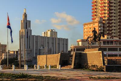 Malecón, Monumento a Calixto García, Casa de las Américas, sunrise